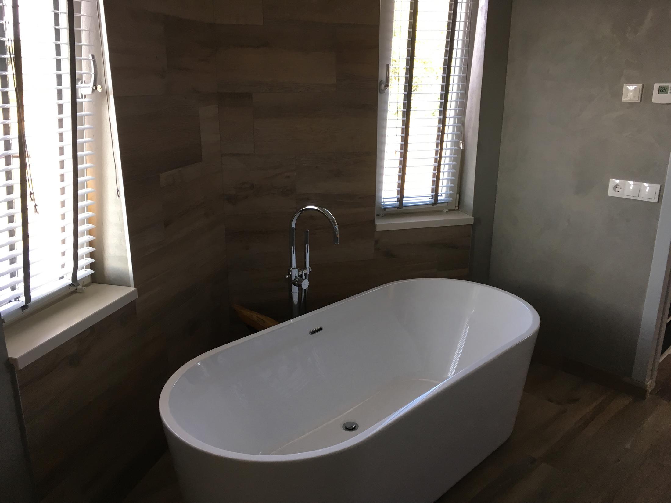 Zeskant-woonhuis-Maashorst-Uden-bad